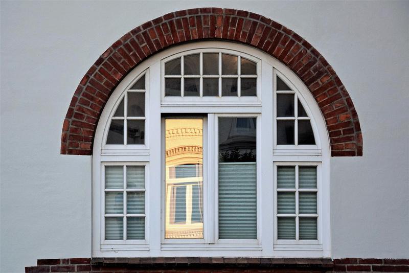 Tür, Tor und Fenster